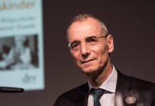 Der Autor und Historiker Prof. Dr. Dr. Wolffsohn anlässlich einer Lesung. Foto IMAGO / Uwe Steinert