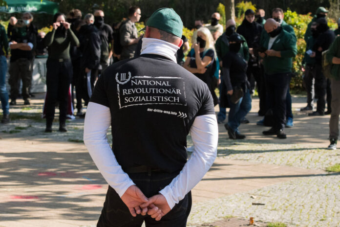 Teilnehmer einer Kundgebung der Partei