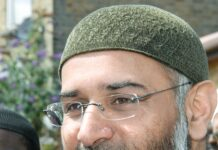 Anjem Choudary. Foto https://www.flickr.com/photos/snapperjack/ - https://www.flickr.com/photos/snapperjack/6005177156/, CC BY-SA 2.0, https://commons.wikimedia.org/w/index.php?curid=19784992