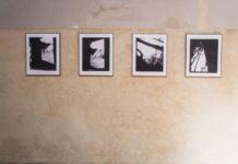Der deutsche Maler Gerhard Richter präsentierte sein Werk in Prag am 20. August 2017. Auf dem Foto sind Fotografien zu sehen, die im Konzentrationslager Birkenau von den Häftlingen selbst aufgenommen wurden und auf denen die Gemälde von Richters Birkenau-Serie basieren. Foto IMAGO / CTK Photo