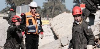Israelische Ersthelfer üben die Folgen eines schweren Erdbebens in einem städtischen Gebiet im Rahmen der 6. Internationalen Konferenz für Notfallvorsorge und -reaktion (IPRED VI). Foto IMAGO / ZUMA Wire